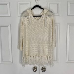 En Creme Hooded Fringe Off White/ Cream Sweater